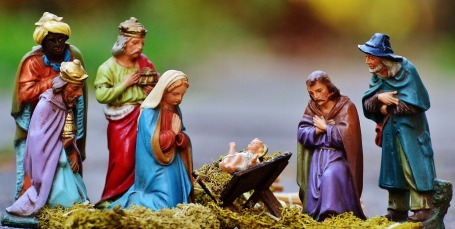 christmas-crib-figures-1060016_1920.jpg